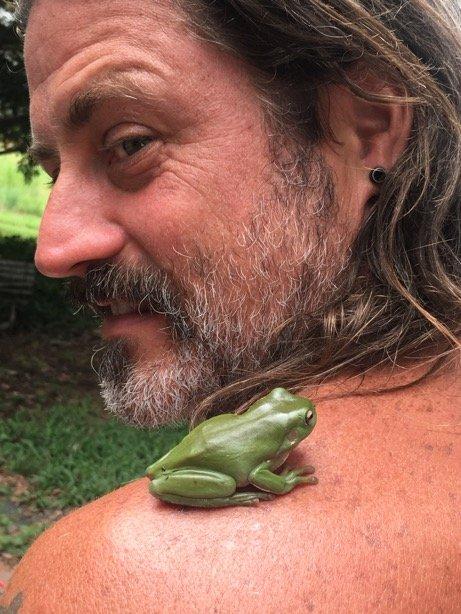 frog shoulder brett